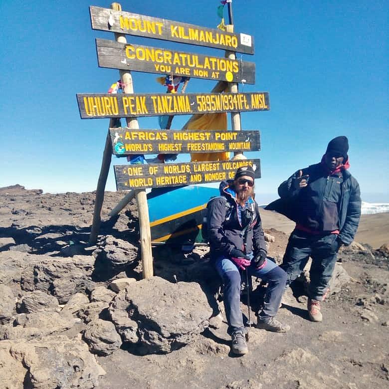 Úspěšný výstup na Kilimandžáro