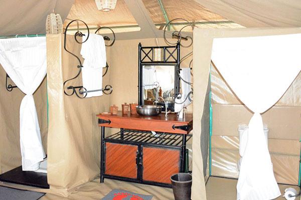 Privátní koupelna ve stanové chatce