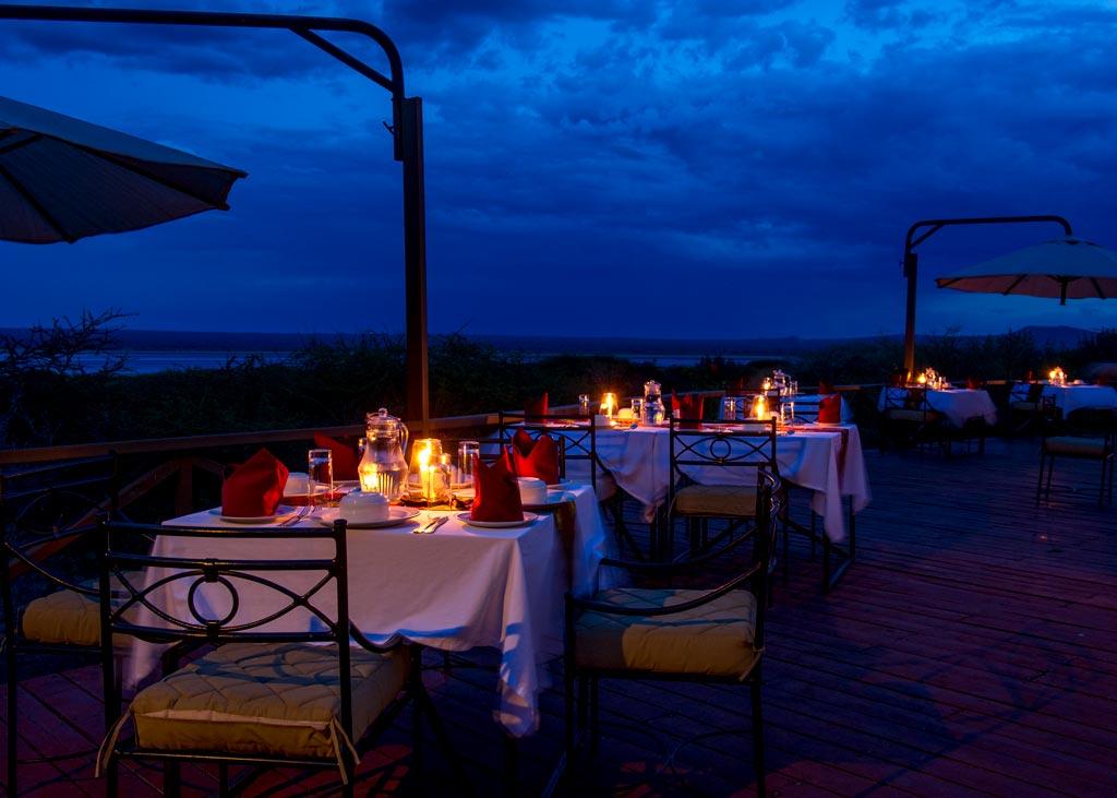 Večeře venku na terase je velmi příjemným relaxačním zážitkem
