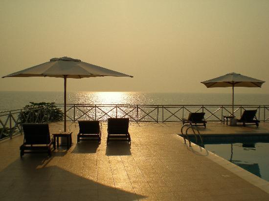 Bazén Lake Tanganyika Hotel