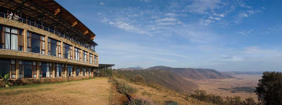 Ngorongoro Wildlife Lodge na okraji kráteru Ngorongoro